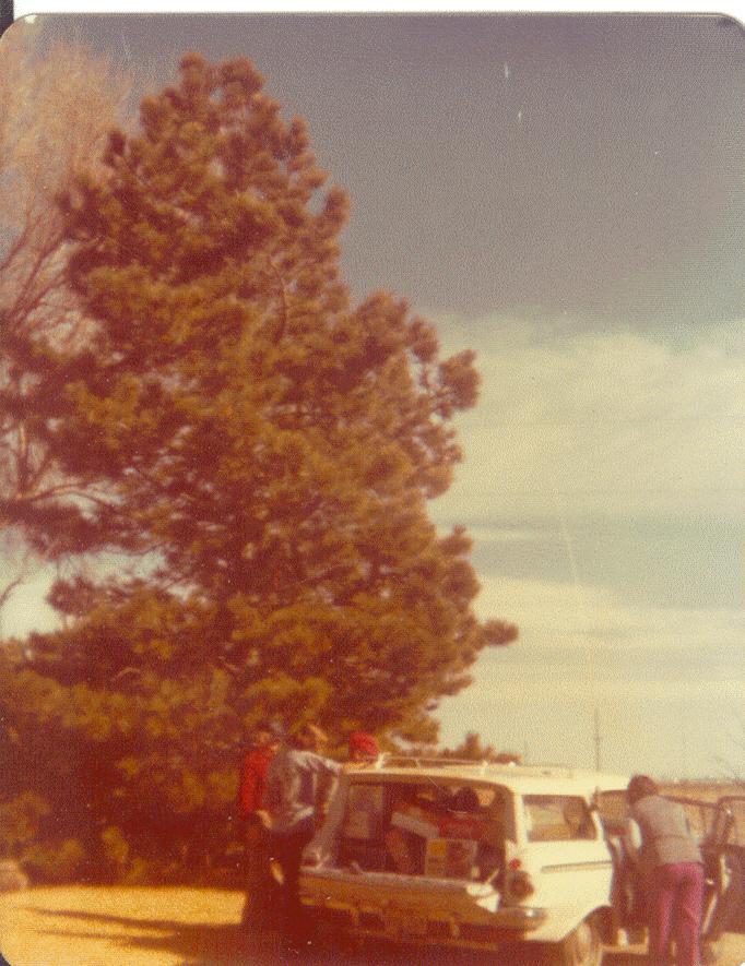 1970s-LoadingUptoLeaveTheFarm